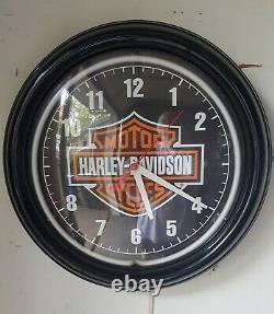 Harley-Davidson Bar & Shield Neon Clock-Black With Orange Neon Ring-12 Diam