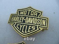 Pair NOS original Harley Davidson Bar & Shield Medallions 99033-82V Shovelhead
