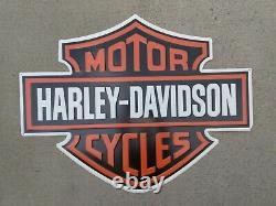 Embossed Metal Harley Davidson Bar & Shield Emblem Sign 35 W Cadeau Bonus Gratuit