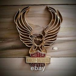 Harley Bar & Shield Flaming Gold Aigle Ailes, Insert Barre De Sissy, Rouge Et Blanc