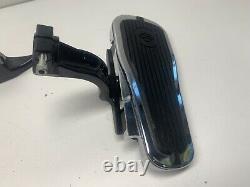 Harley Davidson Crested Bar And Shield Passenger Footboard Kit 50377-07a Softail