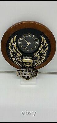 Rare Harley Davidson Motos Eagle Bar Shield Cherry Wood Bulova Horloge Murale