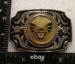Vintage Rare Et Unique Harley Davidson Batwing Avec Skull Bar & Shield Belt Buckle